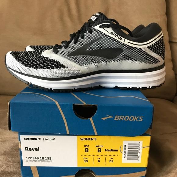 68e7ae1e1ad ✨FLash Sale✨ Brooks REVEL Running Tennis Shoe 👟